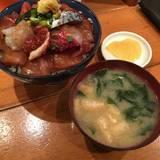 まんぷく食堂海鮮丼